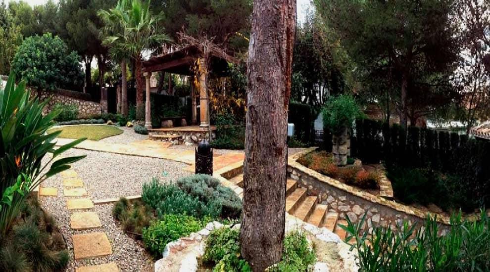 Pergola and access road - Villa Palmeras