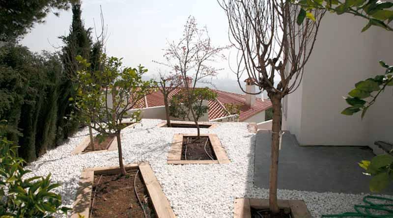 Garden area Villa Nan