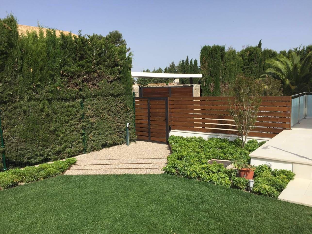 acceso desde garaje - Villa Rey